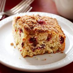 Cranberry Streusel Coffee Cake, with just a hint of cinnamon. Yum! More breakfast and brunch recipes: http://www.midwestliving.com/food/breakfast/favorite-breakfast-brunch-recipes/
