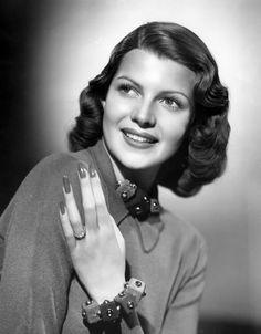 As 10 atrizes mais bonitas de todos os tempos – Rita Hayworth | Revista Bula