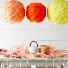 A nice roundup of DIY paper lantern projects (image by Martha Stewart)