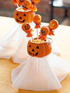 Pumpkin tootsie pops