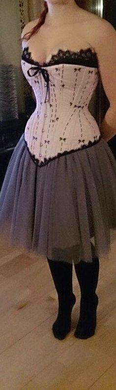 corset by greta narten https://www.facebook.com/gretanarten fabric  http://www.spoonflower.com/fabric/89270