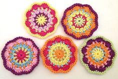 """Big Crochet flower """"Elealinda"""" - Freebie crochet pattern"""