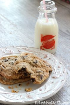 Absolute Best Chocolate Chunk Cookies - perfection!  eclecticallyvintage.com