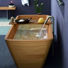 Agua Wooden Bathtub by Francoceccotti