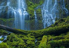Peter Lik - Waterfall in Bend, Oregon. Just stunning.
