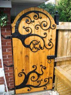hipnerd63:  cool garden gate