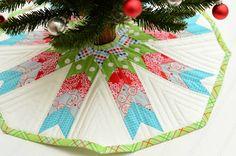 Tree skirt quilt design, hyacinth quilt, tree skirts, modern quilt