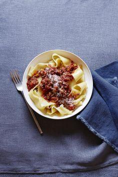 Easy Slow Cooker Bolognese #pasta #slowcooker #easydinners