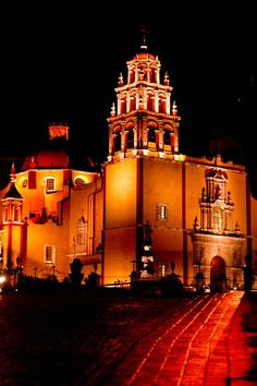 Cathedral Our Lady of Guadalupe, in Guanajuato MEXICO.    (by Woodkern, via Flickr)