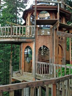 Fanciful 'Hobbit House' reimagines the treehouse #design #architecture #treehouse