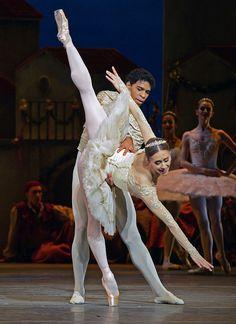 MARIANELA NUNEZ, CARLOS ACOSTA  Royal Ballet's Don Quixote (a new production by Carlos Acosta) see www.dancetabs.com photo - © Dave Morgan