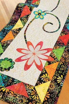 Flower Power Table Runner » Notions - The Connecting Threads Quilt Blog xxxx