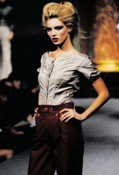 vivienn westwood, vintag fashion, runway, dame vivienn, vivienne westwood, mossi, kate moss, westwood spring