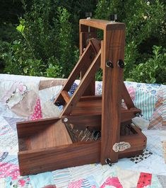 The Fainting Maid - Collapsible Minature Swing Wool Picker ~Walnut~