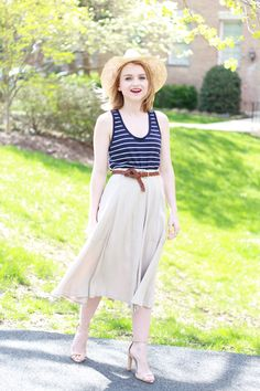 Blogger Poor Little It Girl pairs a nautical Gap tank with neutrals.