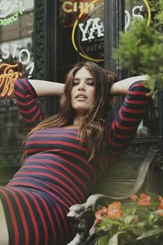 loving this striped dress. Curvy is the new black.