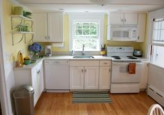 beach cottage kitche