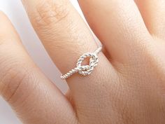 Sterling Silver Knot Ring//i love this so much