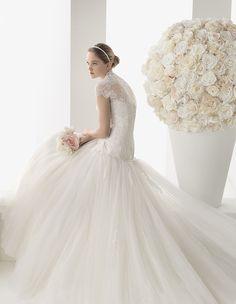 #Buongiorno inziamo con l'#abito da #sposa Two by Rosa Clarà, collezione 2014 @thewomaninwhi