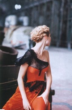 Gwyneth Paltrow for Harper's Bazaar April 1996 gwyneth paltrow, orang, april 1996, dress, harper bazaar, peter lindbergh, fashion photography, hair, black