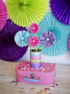10 Cute Crafts Made From Cupcake Liners