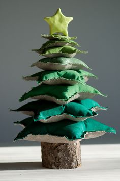 fabric tree tutorial. I adore this little green tree.
