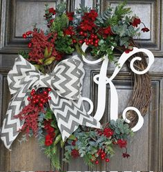 Christmas Wreath Monogram wreath Chevron bow --- well would you look at that @Kayla Barkett Barkett Barkett Barkett Reale it has your pattern and initial