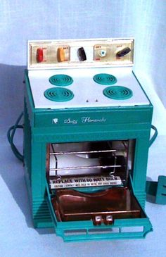 Suzy Homemaker Toy Oven from the Sixties  price by KomebackKitsch, $27.00