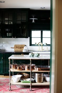 classic kitchen — 10 Standout Kitchens   Apartment Therapy