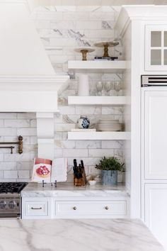 white-marble-kitchen