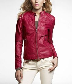Red faux-leather jacket. Emma Swan look!