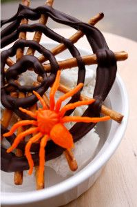 chocolates, spiders, spider webs, food, spiderweb, halloween treats, pretzels, halloween spider, web treat