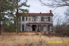 Love these old homes.