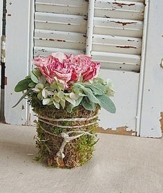 ❥ cover a container with moss...