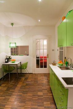 Modern Green Kitchen Cabinets (Kitchen-Design-Ideas.org)