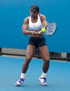 Serena Williams - Serena Williams Practices Her Swing