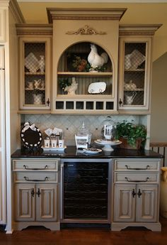 Amazing built-in hutch. Would love to see the rest of the kitchen!!