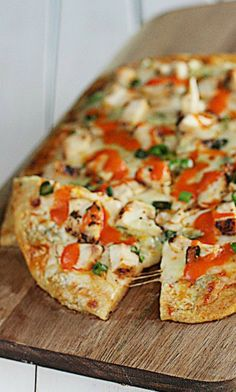 Buffalo Chicken Flatbread is an easy lunch or dinner that kids will love!