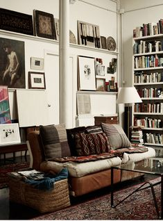 decor, interior, living rooms, white walls, art, book, librari, boho, oriental rugs