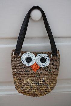 Plarn Owl bag. Cute!!!!!!