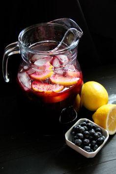 Freshly-Squeezed Blueberry Lemonade Recipe #MothersDay #Summer #recipe