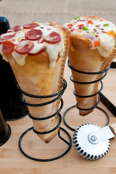 Pizza in a cone? Yes indeed... Pizza Cone Grilling !