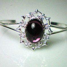 Anne Boleyn amethyst bracelet.