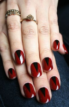 snake eyes - Red and Black #nails
