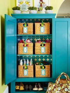 10 Great Tips for Getting Organized from Eat. Sleep. Decorate.