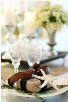 Coastal Christmas Party Table Setting and Favor