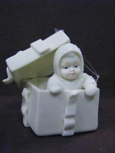 "Retired Vintage Collectible Dept 56 Snowbabies Bisque Ornament ""Surprise"" I have this one!"