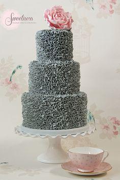 Buttercream swirls celebration cake. www.sweetnessonline.co.uk