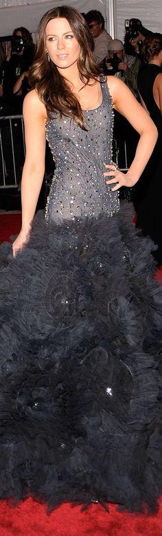 Marchesa red carpet dress <3 #josephine#vogel
