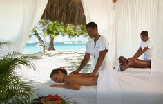 massage on the beach - Couples Negril